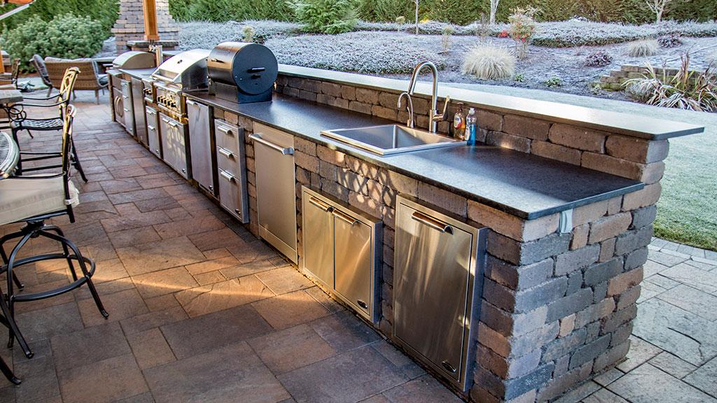 Custom Chateau Wall™ outdoor kitchen on Patio Kitchen Set id=42127